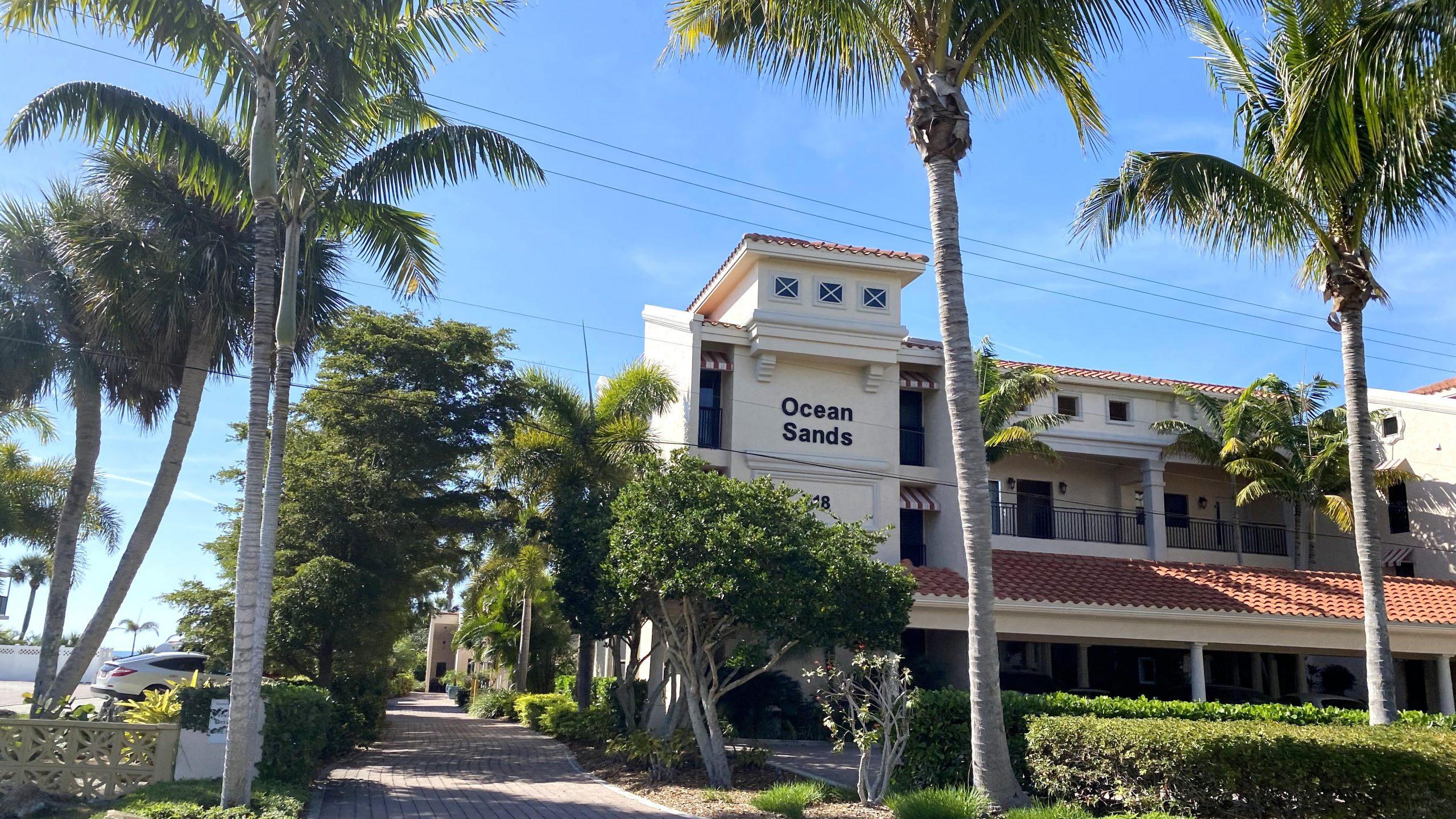 Ocean sands pet friendly condo in Venice, Florida for sale.