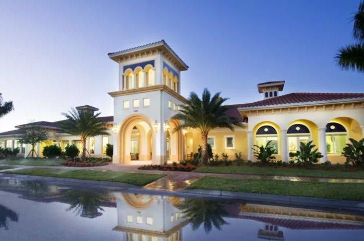 Entrance Islandwalk Venice Florida