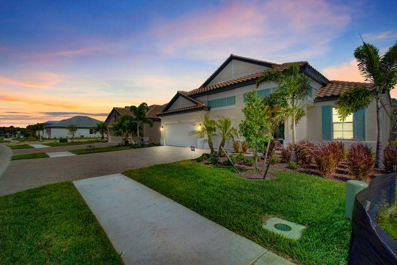 Darklit Oasis home in Venice Florida